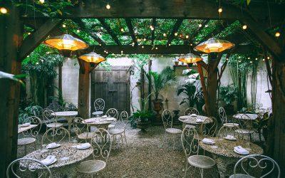 Indret din restaurant med grønne planter