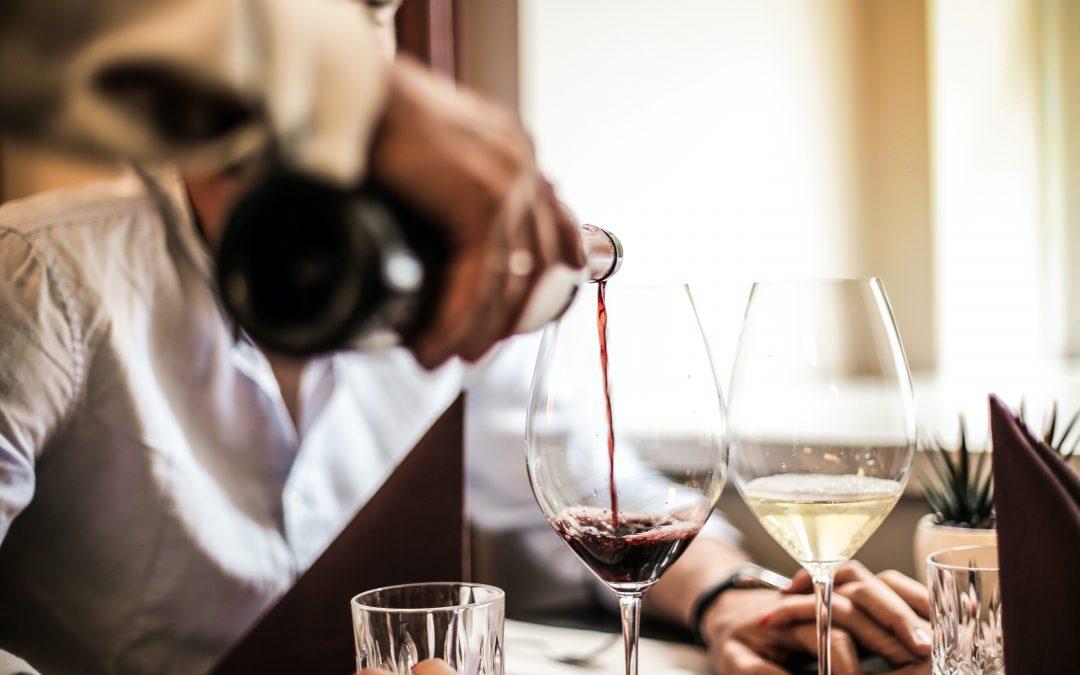 Tips til at lave et godt vinkort til din café